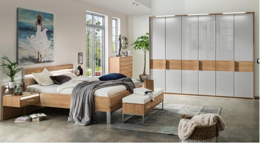 Modell TL 2122   Schlafzimmer In Eiche Teilmassiv Mit Absetzungen In Glas  Weiß, Drehtürenschrank Ca. 300 Cm Breit, Doppelbett Ca.