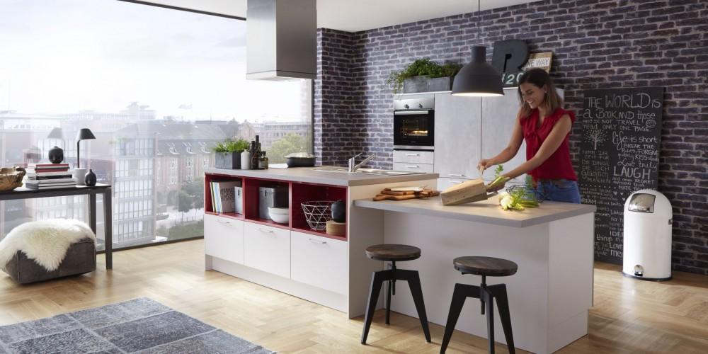 Modell TH18   Moderne Küche   Arbeitsflächen Und Fronten In Betonoptik  Liegen Voll Im Trend. Das Betondekor Lebt Vom Zurückhaltenden Umfeld Ind  Weiss.