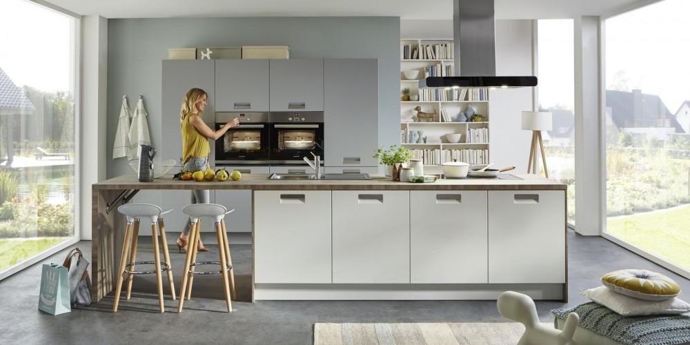 Modell TH19   Das Besondere Dieser Küche Ist Ein Neuer Griff, In Die Front  Integriert, Genau Das Richtige Für Alle Die Keine überstehenden Griffe  Mögen.