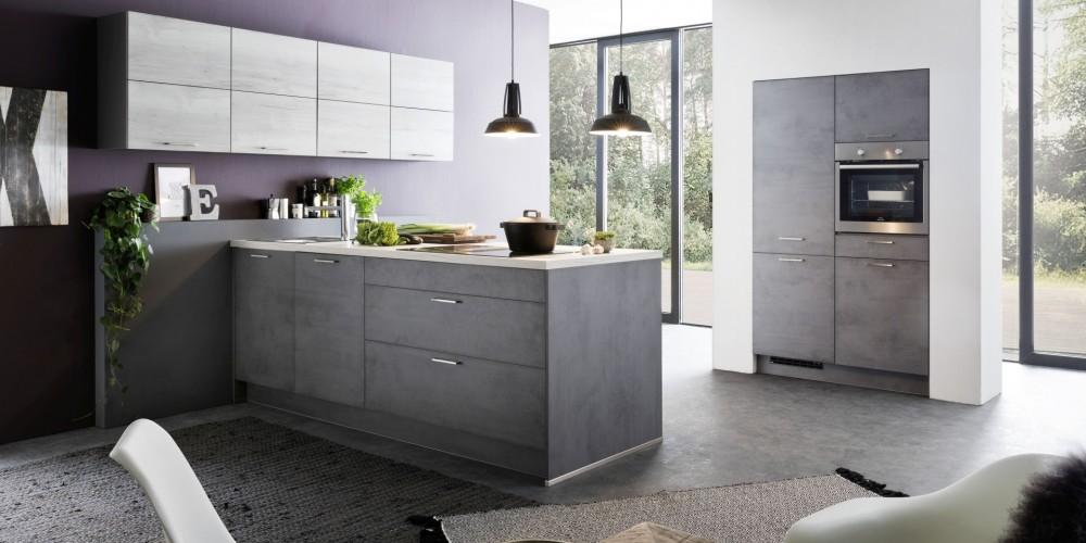 Modell TN48   Die Kochinsel Verbindet Die Stauraumorientierte Küche Und Den  Angrenzenden Wohnbereich Bei Diesem Einrichtungsvorschlag In Elegantem ...