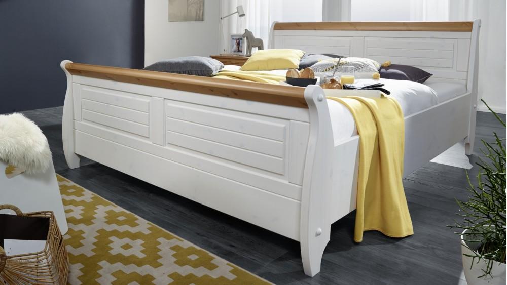 Modell LN 2056   Doppelbett Im Modernen Landhaustil Aus Kiefer Massiv Weiß  Gewachst Mit Honigfarbenden Absetzungen, Geriffelte Front, Ca. 180x200cm